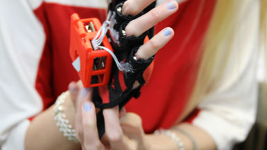 Passive Learning via Haptic Gloves